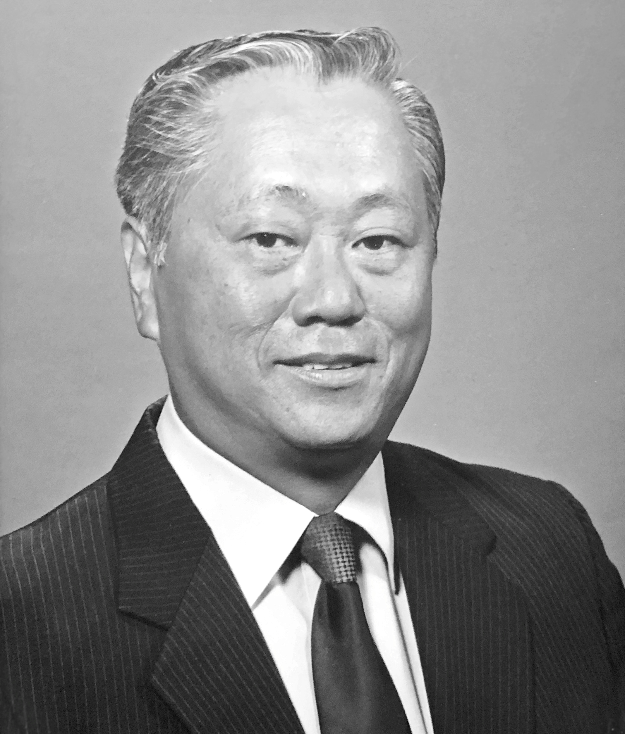 WALTER JUNICHI MINAMI